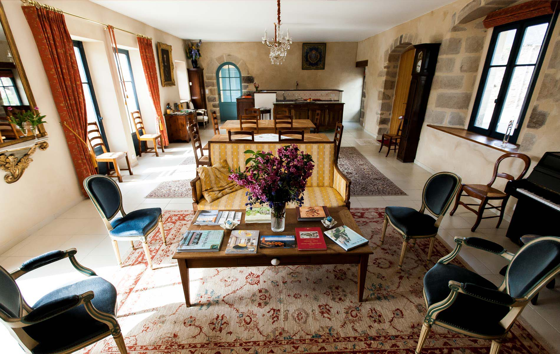 rural stone manor guesthouse near StMalo