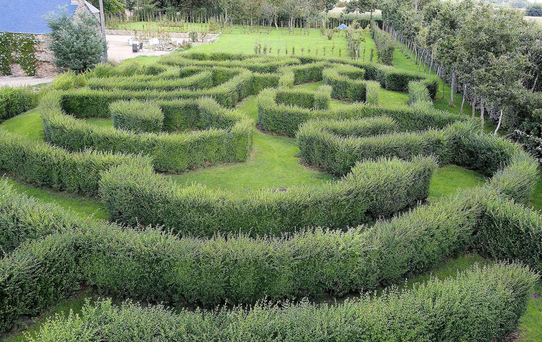 Jardines y laberinto vegetal cerca de st malo y dinard en for Jardin laberinto